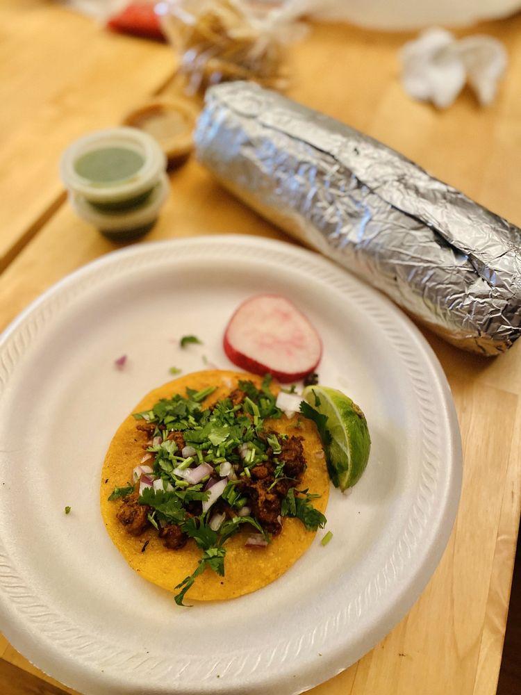 Food from La Joya Taco Truck