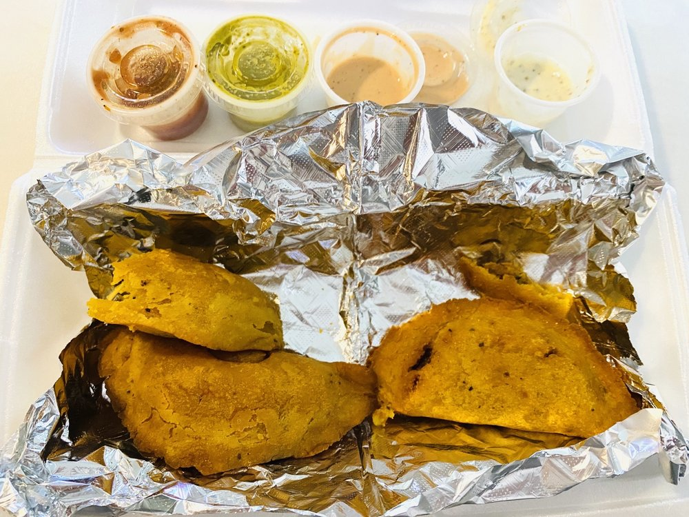 Food from Mami's Empanadas
