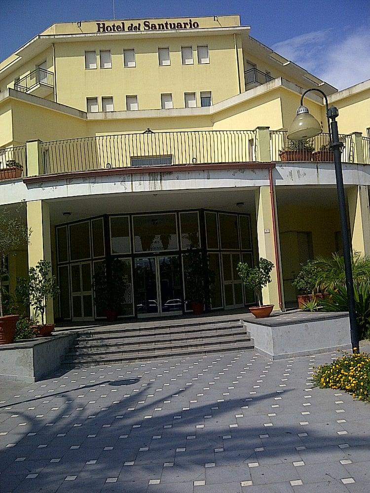 Hotel del santuario casa del pellegrino hotel via for Hotel del santuario siracusa