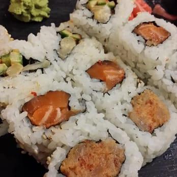 Akira sushi 26 photos 70 reviews sushi 1069 denman for Akira japanese cuisine