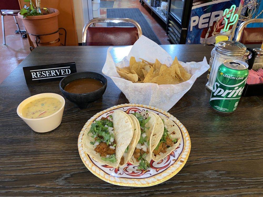 El Taquito: 1315 W McGregor Dr, Mc Gregor, TX