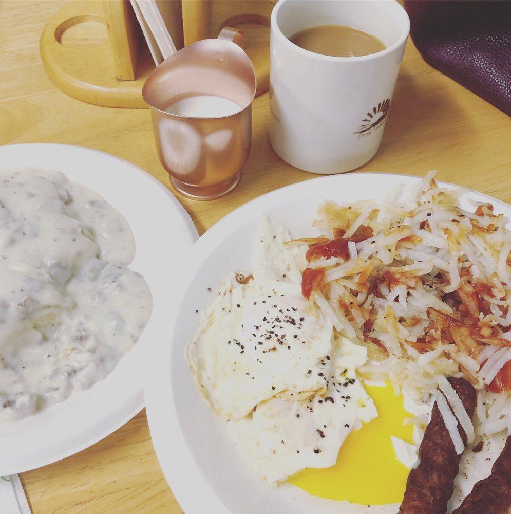 Dusty Rose Diner: 10632 Williams St, Wellton, AZ