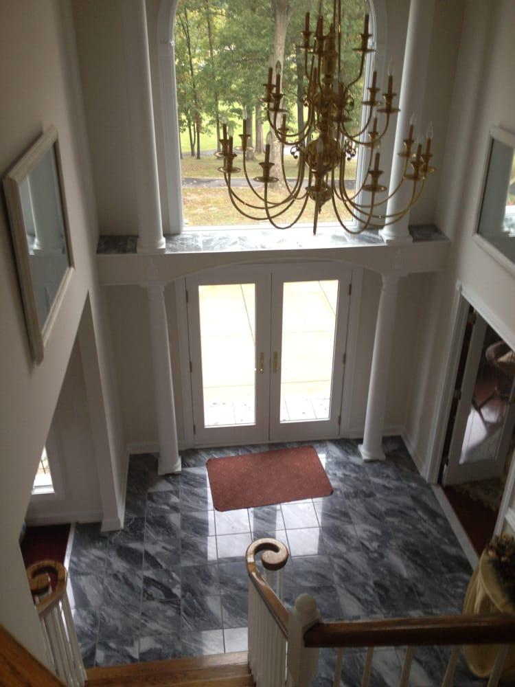 Darryl Haley's Bed & Breakfast Retreat: 50 Cottage Dr, Luray, VA