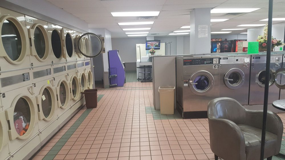 Ruthie's Coin Laundry: 4347 Dixie Hwy, Elsmere, KY