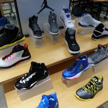 Shoes Stores Modesto Mall