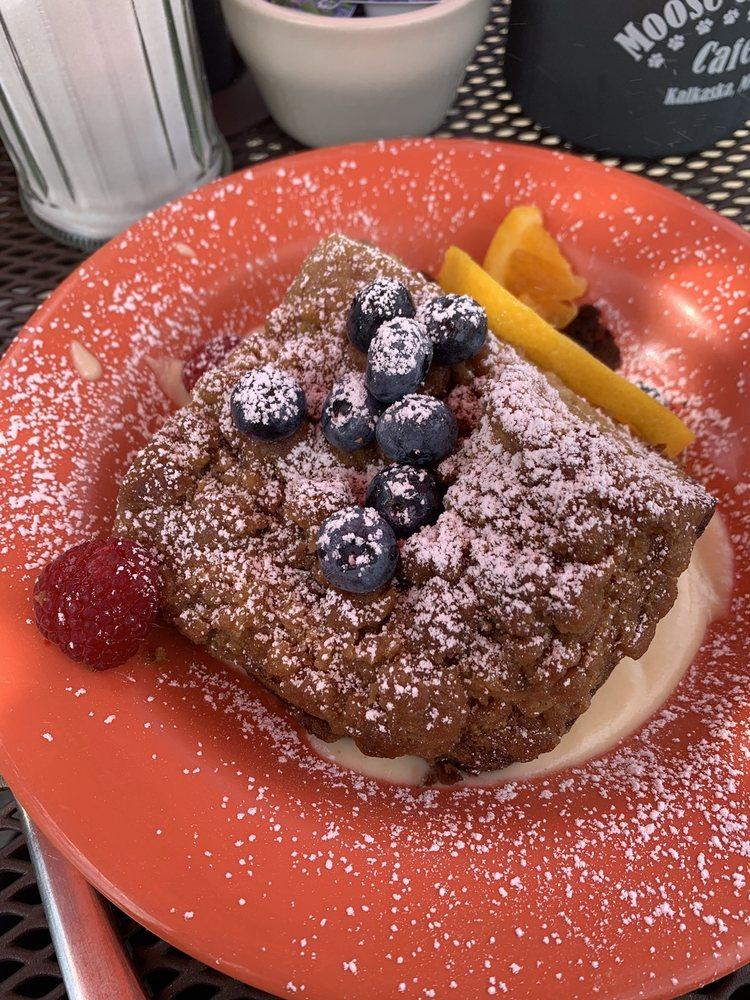 Moose And Stella's Cafe: 203 S Cedar St, Kalkaska, MI