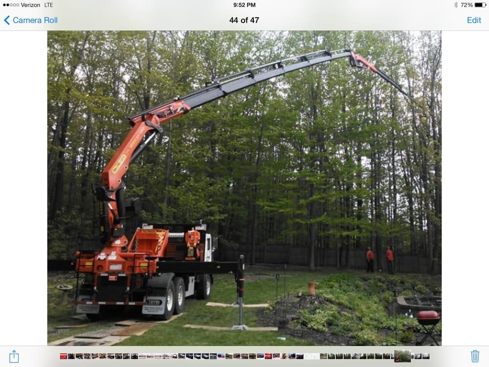 Montgomery Tree & Stump Removal: 11727 Kile Rd, Chardon, OH