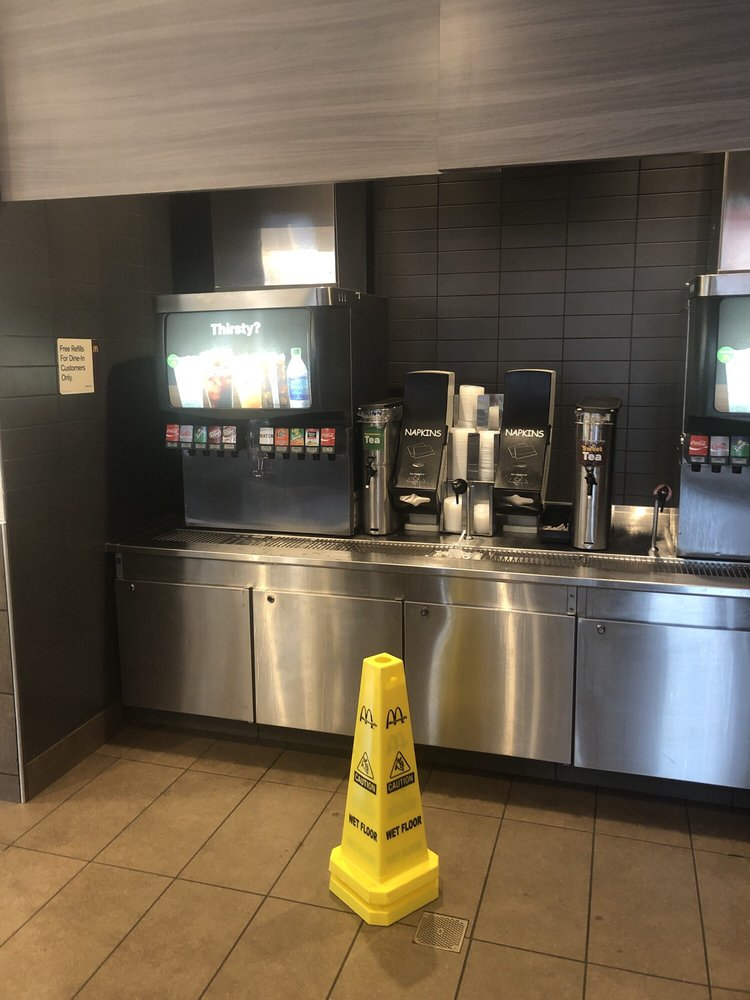 McDonald's: 778 S Forest Ave, Luverne, AL