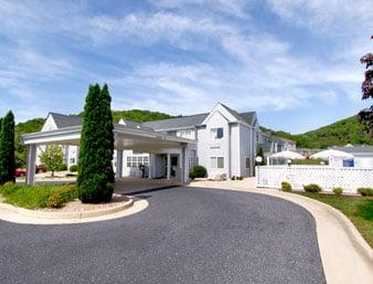 Microtel Inn: 200 Frontier Drive, Staunton, VA