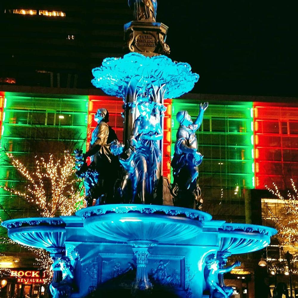 Fountain Square: 520 Vine St, Cincinnati, OH