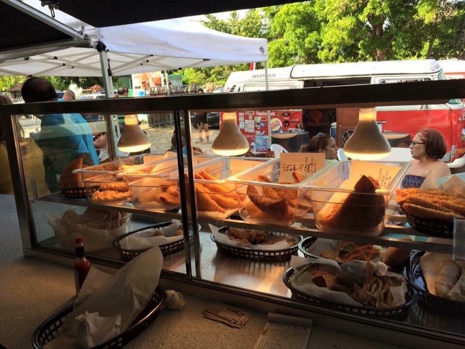 Playa Soles Bar & Grill: Carretera 3 Km 115.6, Patillas, PR