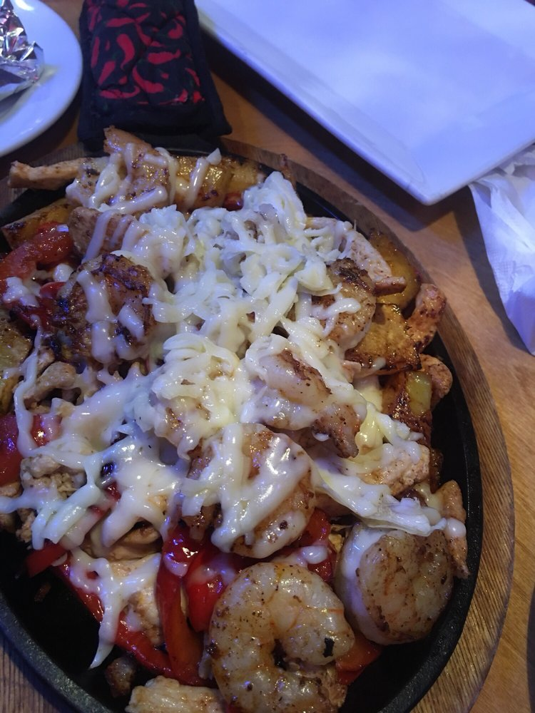 El Barzon Mexican Restaurant & Bar: 1691 S Brightleaf Blvd, Smithfield, NC