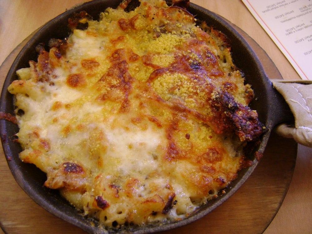 ... Mac-n-Cheese nosh size (brie, roasted figs, roasted shiitake mushrooms