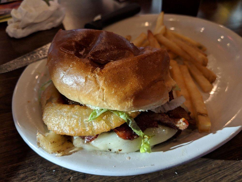 Beef 'O' Brady's: 5958 Snow Hill Rd, Ooltewah, TN