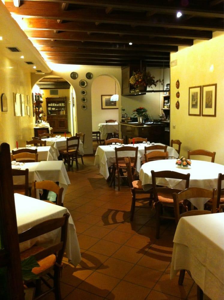 Trattoria san pietro italienisch via san pietro 95 for Restaurant italien 95