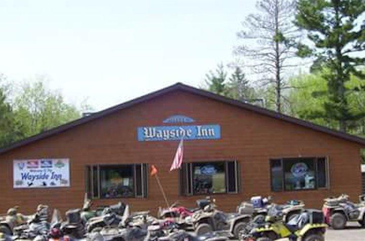 Wayside Sports Bar and Grill: 12475 N US Hwy 63, Hayward, WI