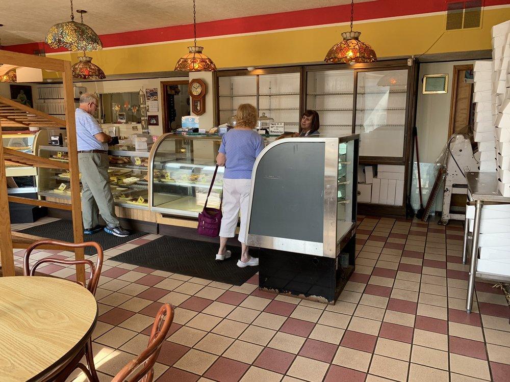 Foltz Bakery: 122 S Detroit St, Lagrange, IN