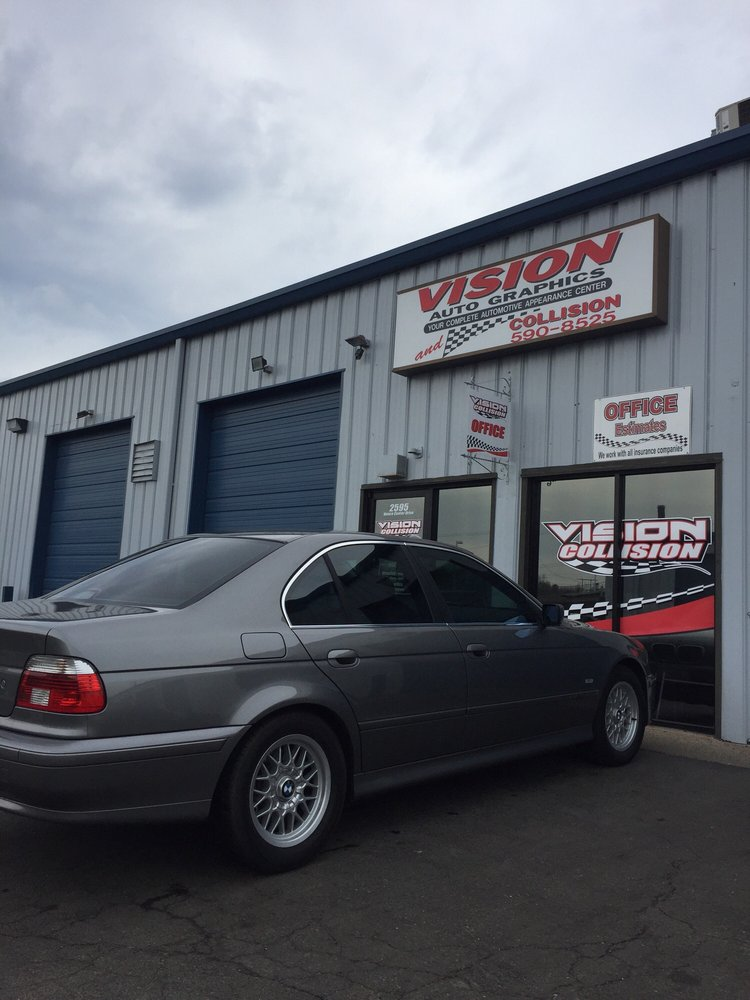 Vision Auto Graphics And Collision