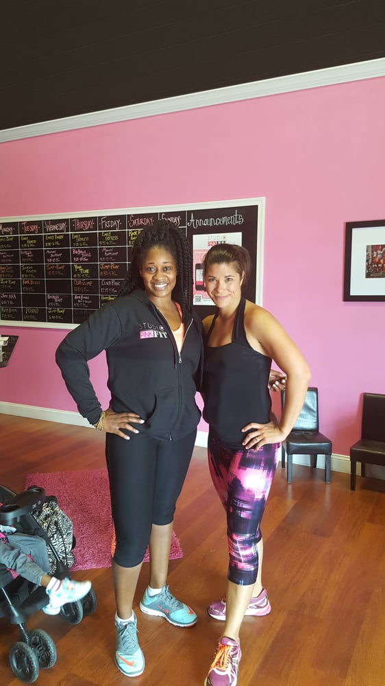 Studio Pink Fit: 21770 Beaumeade Cir, Ashburn, VA