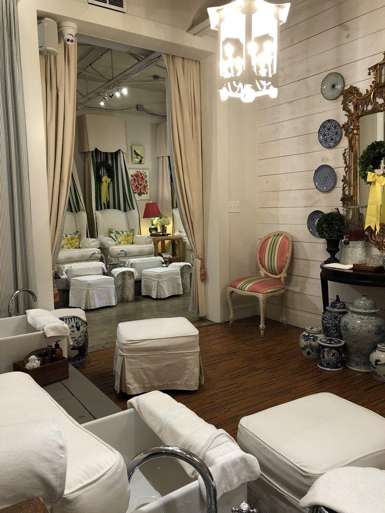 Zaza Nail Boutique: 2931 Perkins Rd, Baton Rouge, LA