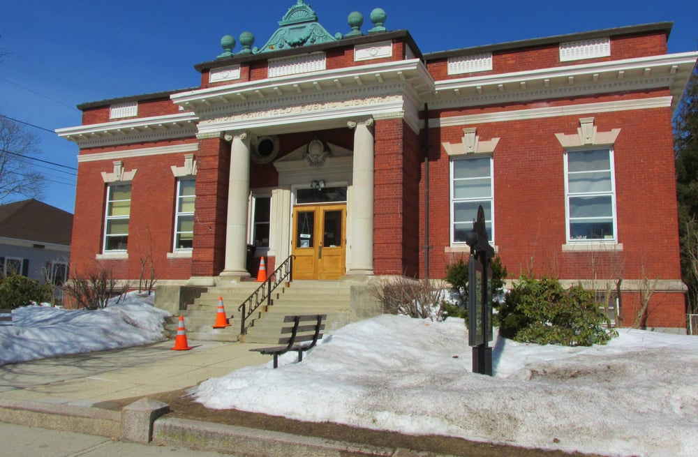 Simon Fairfield Public Library: 290 Main St, Douglas, MA