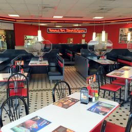 Steak n shake 18 fotos 28 beitr ge diner 12209 s for Steak n shake dining room hours