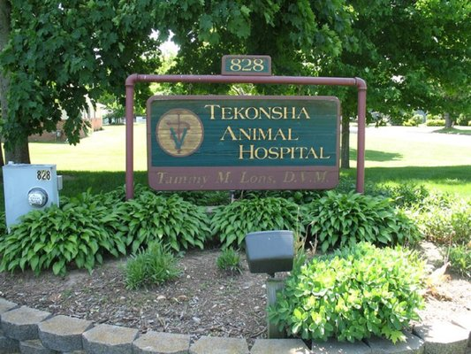 Tekonsha Animal Hospital - Get Quote - Veterinarians - 828 N Main St ...