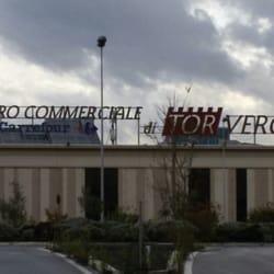 Centro Commerciale Tor Vergata - Centri commerciali - Via Luigi  Schiavonetti 426 09241ee6787