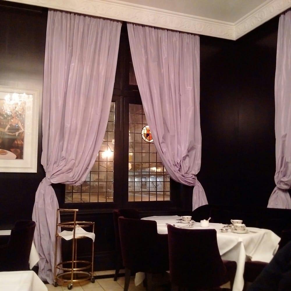 Windsor Arms Apartments: Photos For Windsor Arms Hotel Tea Room