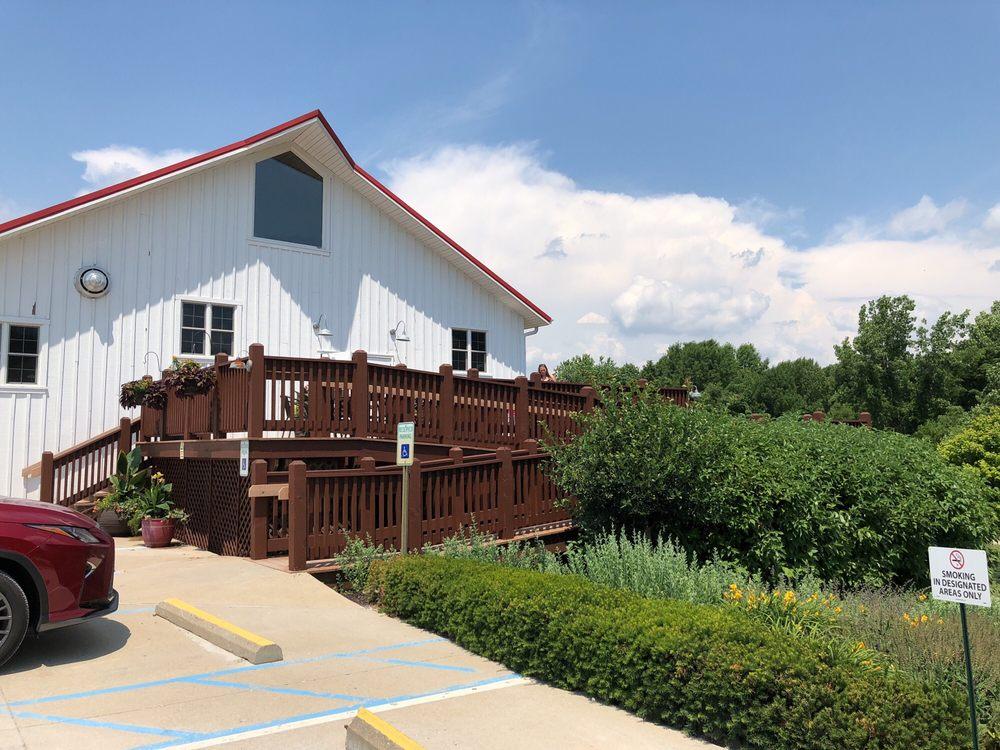Mallow Run Winery & Vineyard: 6964 W Whiteland Rd, Bargersville, IN