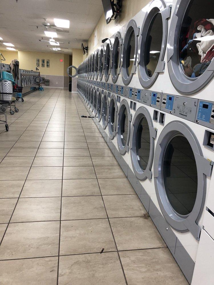 Sparklean Laundromat: 750 Peoples Plz, Newark, DE