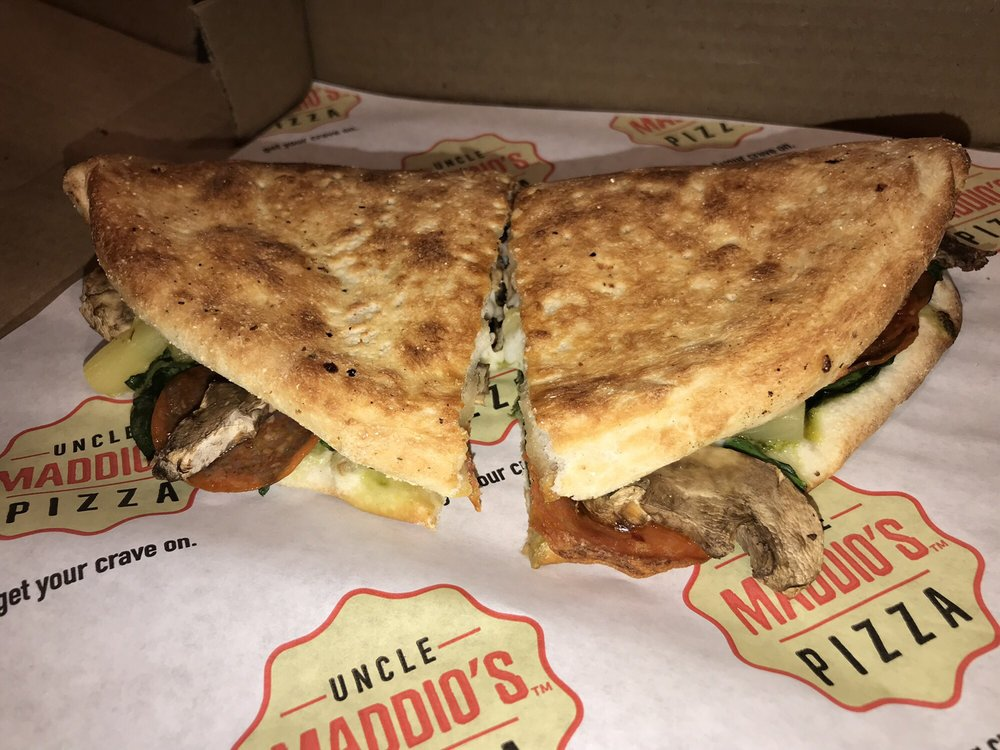 Photo of Uncle Maddio's Pizza: Auburn, AL
