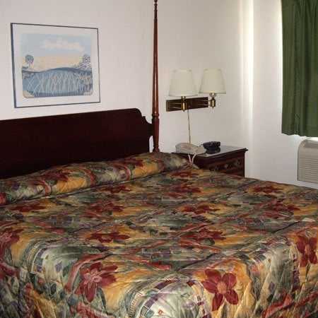 Magnum Inn: 1400 Vaden St, Union City, TN