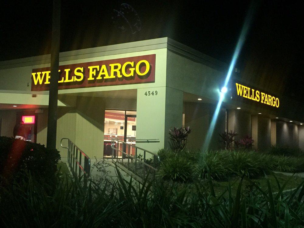 Wells Fargo Bank: 4549 Hoffner Ave, Orlando, FL