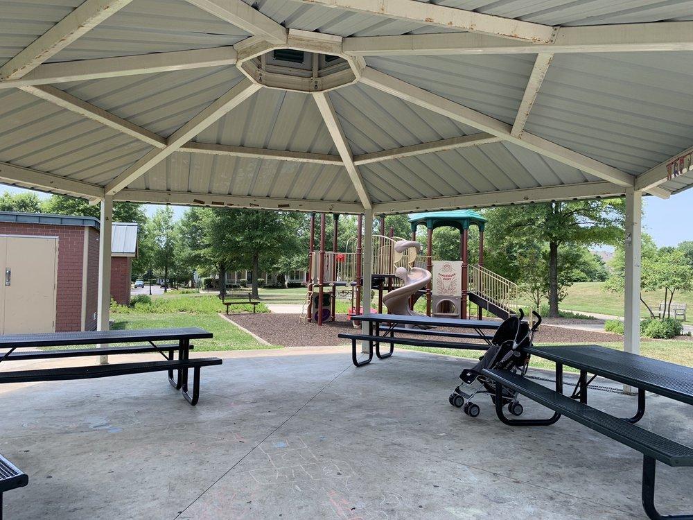 King Farm Park: Watkins Pond Blvd, Rockville, MD
