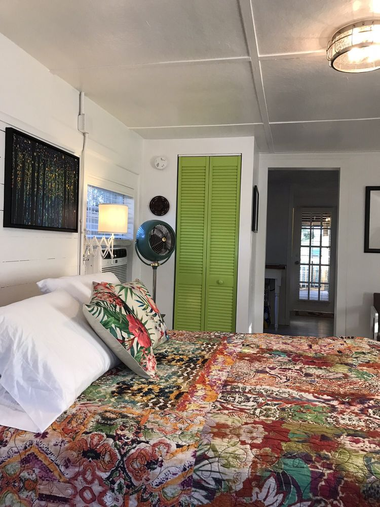 Firefly Resort Cottages: 12685 State Road 24, Cedar Key, FL