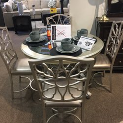 Photo Of Spiller Furniture Company   Northport, AL, United States. Dinette