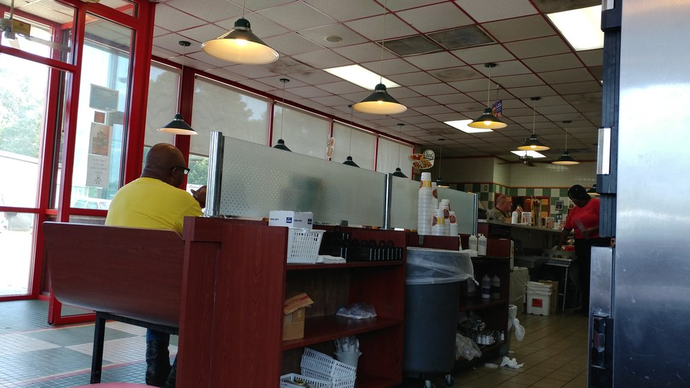 Huddle House: 910 Highway 425 N, Monticello, AR
