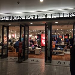 ce88a480eae47 American Eagle Outfitters - Men s Clothing - 320 W 5th Ave ...