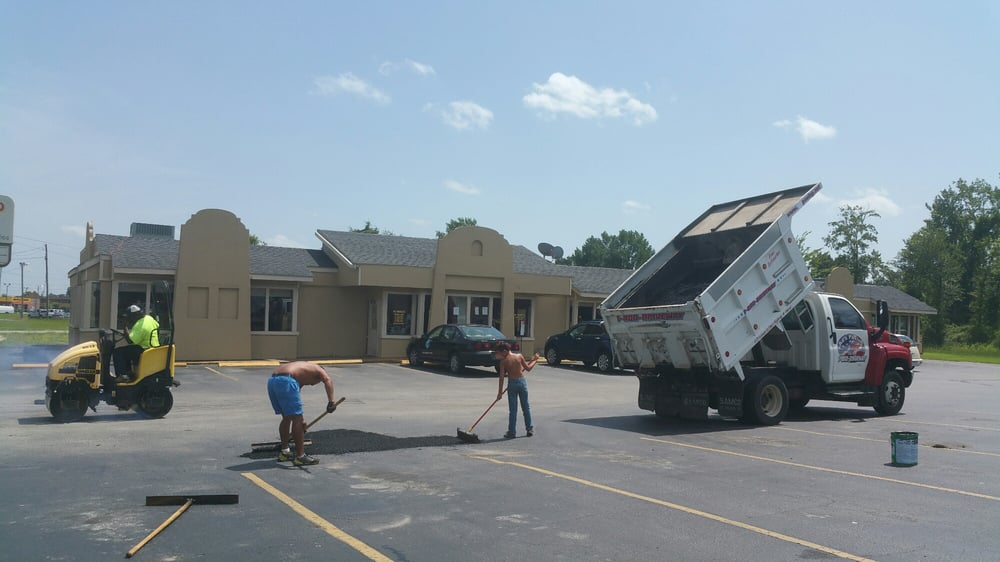 AJ and Son Asphalt Specialists: 3122 Cleere Ct, Greenville, NC
