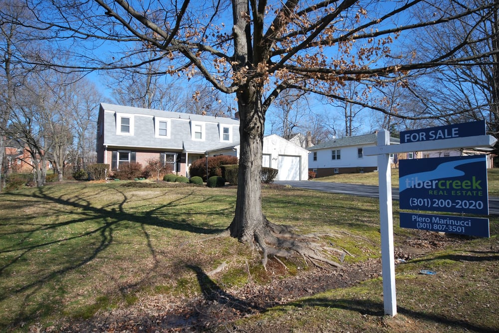 Piero Marinucci - Silver Spring Real Estate: 2405 N Gate Ter, Silver Spring, MD