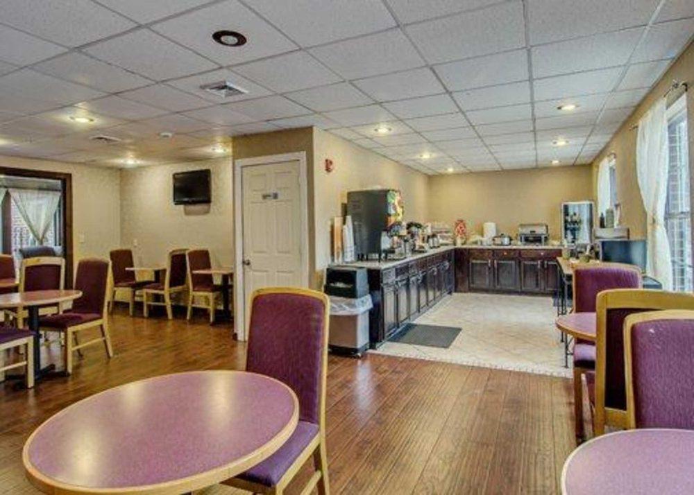 Quality Inn: 4424 Cleburne Blvd, Dublin, VA