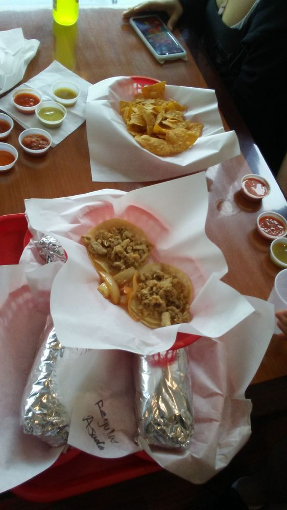 Food from Taco House Mexican Grill