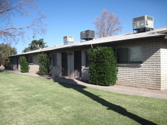 Valley Apartments Goodman Properties LLC: 2807 S 12th Ave, Safford, AZ