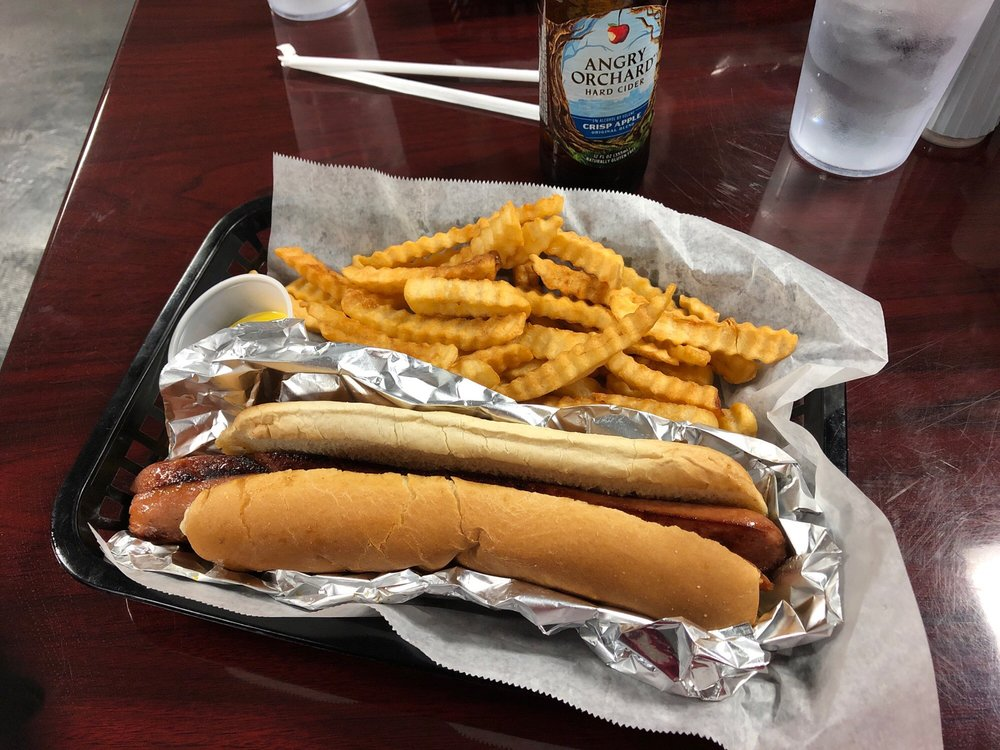 Downtown Grill: 20 Hand Ave, Bay Minette, AL
