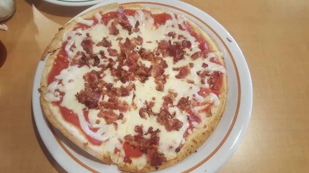 Pete's Restaurant & Pizzeria: 100 Chestnut St Rte 61, Kulpmont, PA