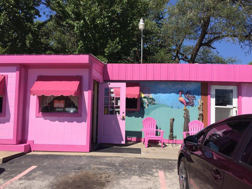 Nelle Belle's Diner: 150 E US Hwy 69, Kansas City, MO