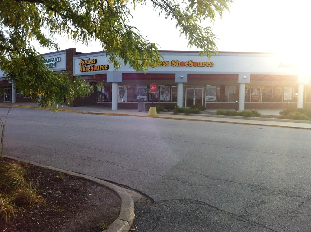 Downers Grove Shoe Stores