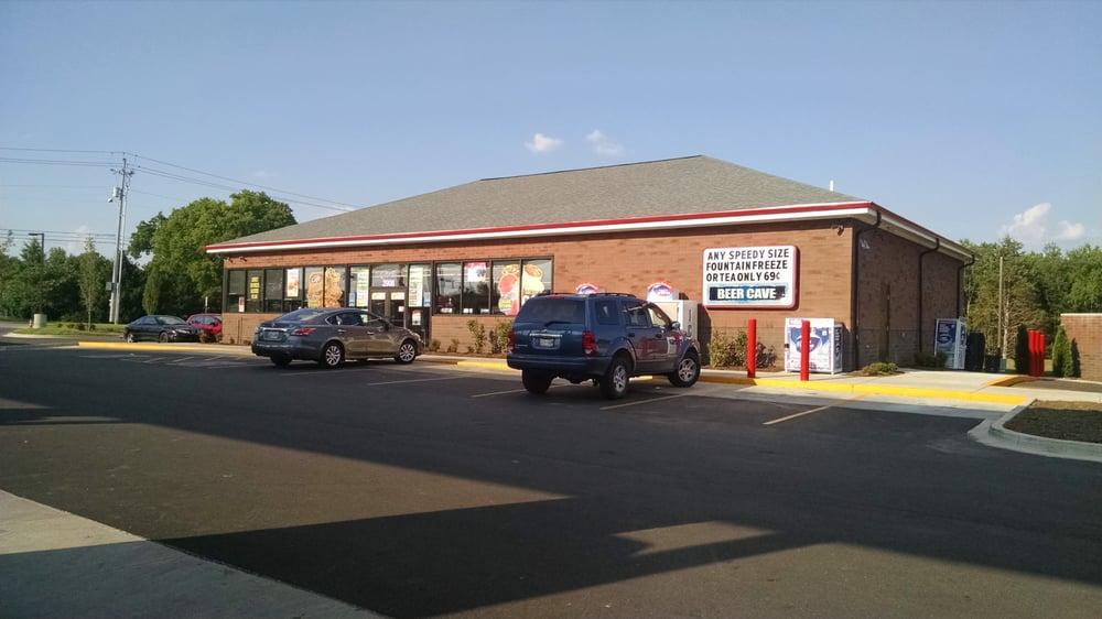 Speedway: 2908 Memorial Blvd, Murfreesboro, TN