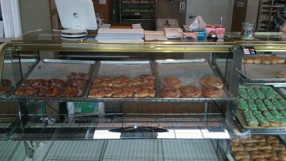 Harlan Bakery: 11911 Water St, Harlan, IN